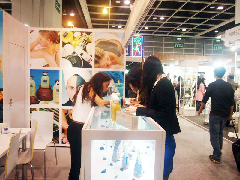 Clients checking c-Products at Cosmoprof Asia 2012