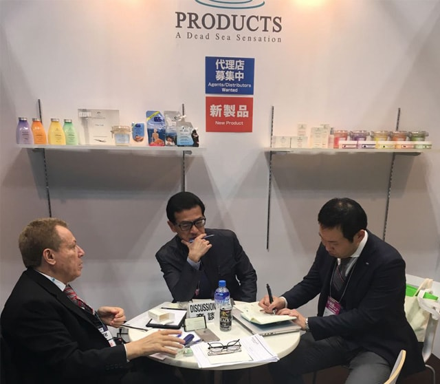 Getting ready for more and more at c-Products Booth in Cosme Tokyo